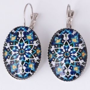 Jewelry - PREVIEW Vintage Floral Design Oval Drop Earrings